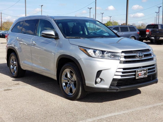 Certified Pre-Owned 2017 Toyota Highlander Limited Platinum