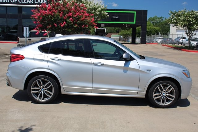 Pre-Owned 2017 BMW X4 M40i