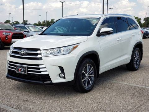 Certified Pre-Owned 2018 Toyota Highlander XLE Front Wheel Drive SUV - Offsite Location