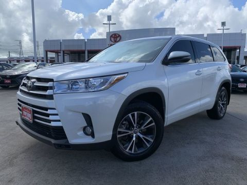 Certified Pre-Owned 2017 Toyota Highlander BSE Front Wheel Drive SUV - In-Stock